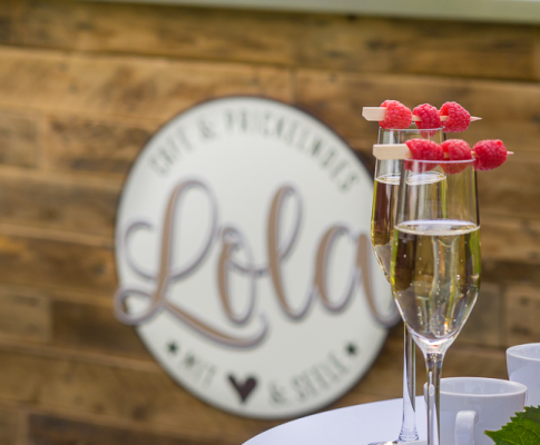 Lola-Stieg-Cafebar-Himbeere-Sektbar